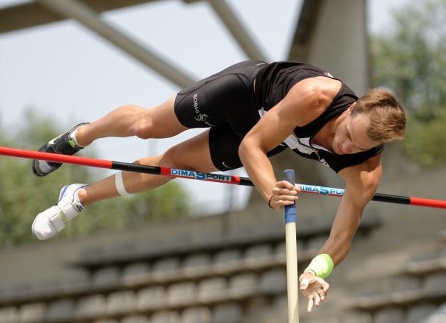 Men_decathlon_PV_French_Athletics_Championships_2013_t141911a