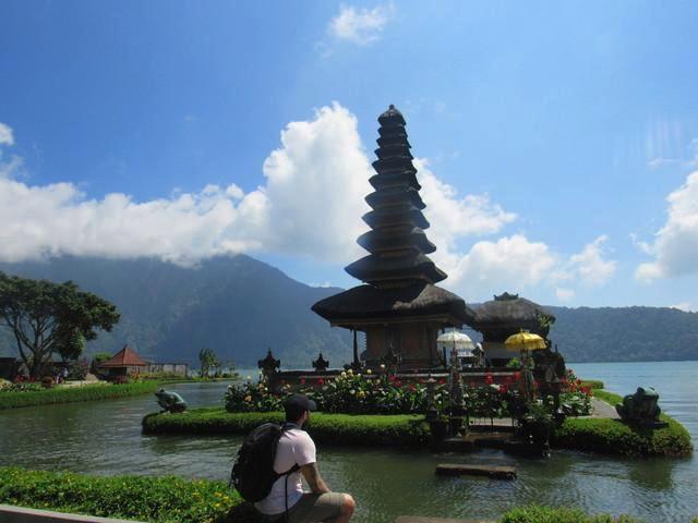 Nusa Dua Temple .jpg